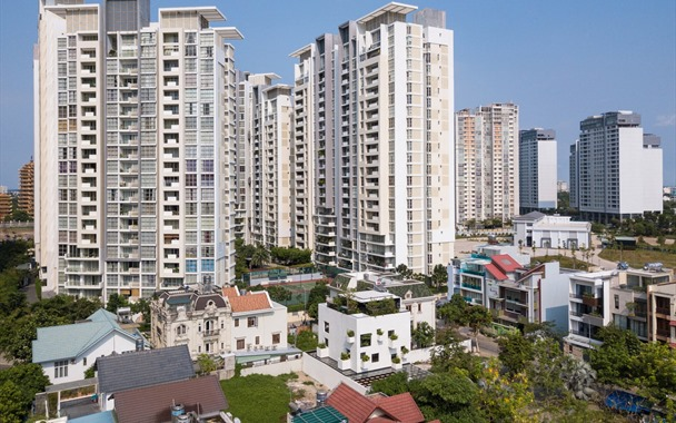 Saigon house embraces nature with open air design